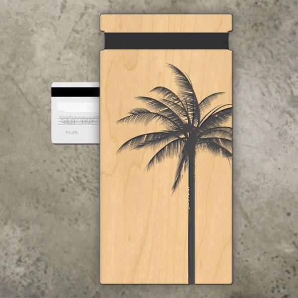 tropical beach check presenter